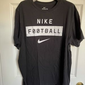 BLACK SPORT T-SHIRT FROM NIKE FOOTBALL